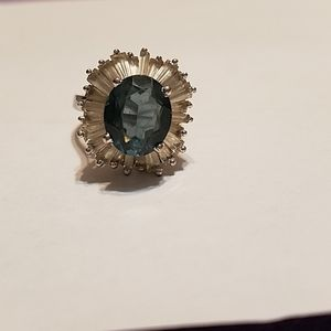 WOMENS COCKTAIL RING SIZE 7.5